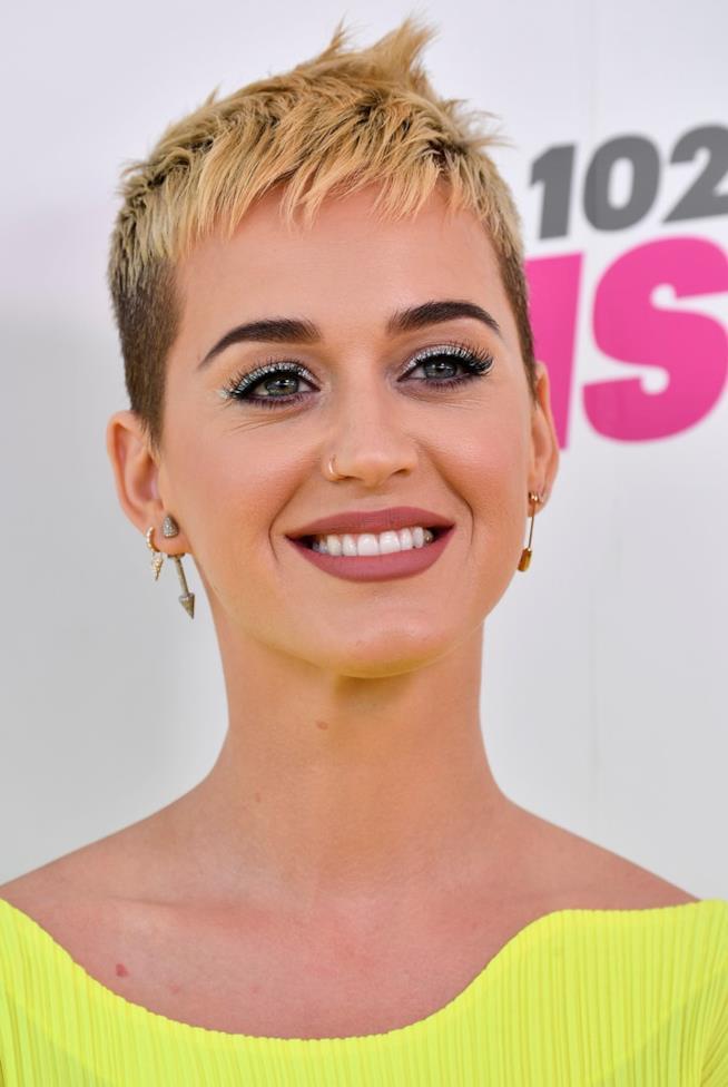 Katy Perry esce con Witness, ma Taylor Swift non lascia scampo