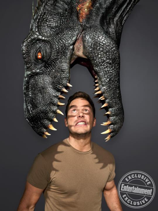 Le fauci dell'Indoraptor in una delle immagini di EW