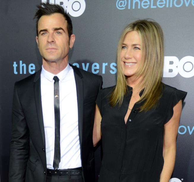 Primo piano di Justin Theroux e Jennifer Aniston