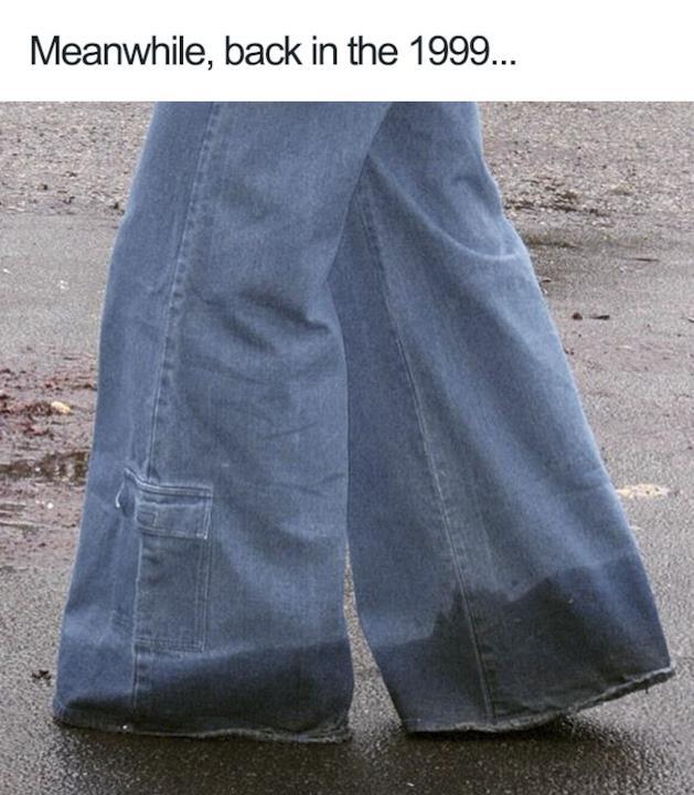 Pantaloni a zampa di elefante