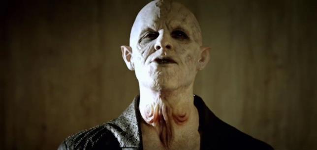 L'attore Jack Kesy interpreta il signore dei vampiri in The Strain.