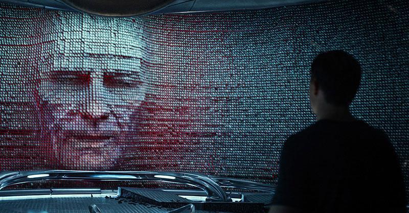 Il volto di Bryan Cranston è quello dell'alieno Zordon