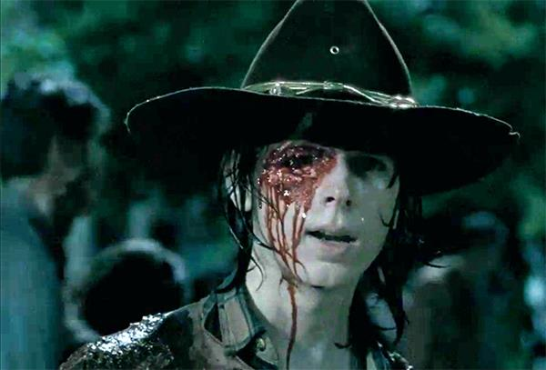 The Walking Dead: Ron spara a Carl