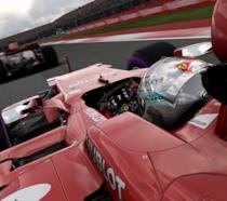 Una Ferrari sfreccia sui circuiti di F1 2017