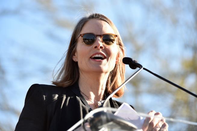 Jodie Foster durante il suo intervento alla manifestazione United Voices