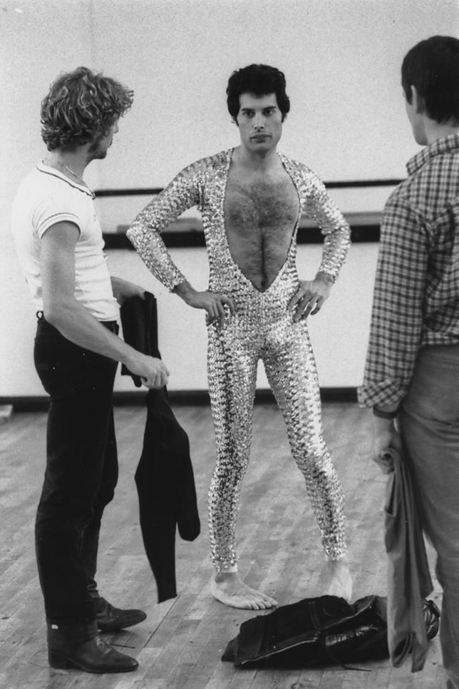 Freddie Mercury in tuta glitter