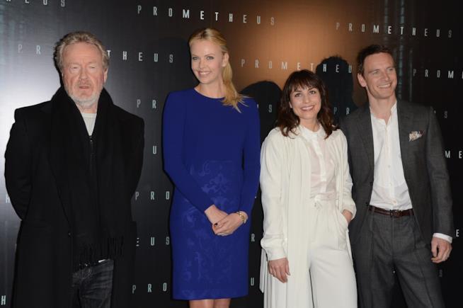 Ridley Scott col cast di Prometheus