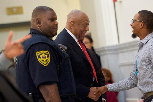 Bill Cosby all'arrivo in tribunale in Pennsylvania