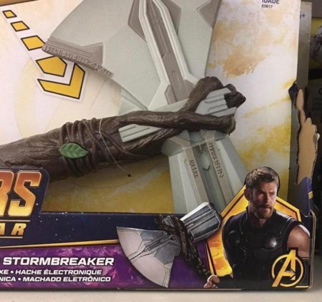 Ecco Stormbreaker, la nuova arma di Thor