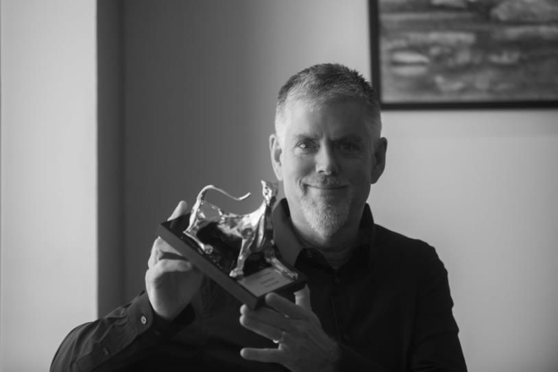 Il designer Kyle Cooper