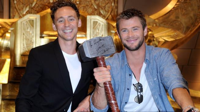Tom Hiddleston e Chris Hemsworth presentano i loro personaggi Loki e Thor al Comic-Con del 2010
