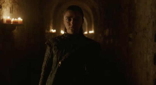 Arya Stark cammina nella cripta di Grande Inverno