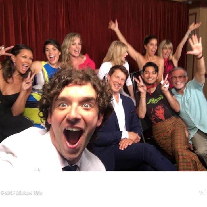 Il cast di Ugly Betty in un selfie per la reunion