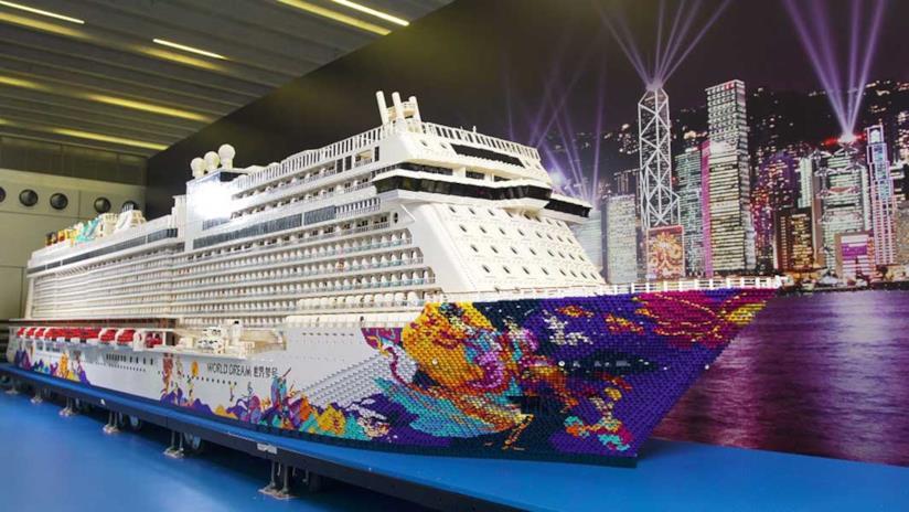 Una nave da crociera costruita con oltre 2,5 milioni di mattoncini LEGO