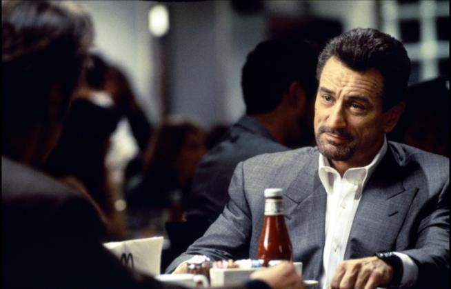 Robert De Niro nelle celebre scena con Al Pacino in Heat