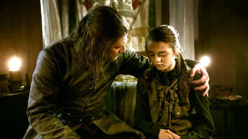 Sean Bean e Maisie Williams nella prima stagione di Game of Thrones