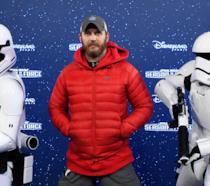 Tom Hardy e due stormtrooper a Disneyland