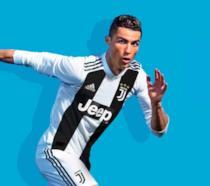 Cristiano Ronaldo, testimonial di FIFA 19, con la maglia della Juventus
