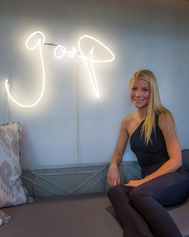 Gwyneth Paltrow nel corso di un evento organizzato per Goop