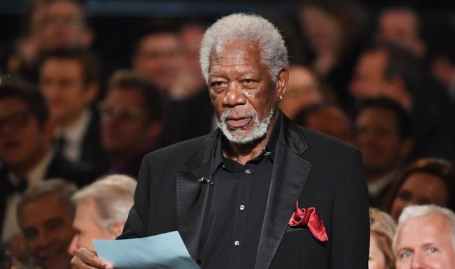 Morgan Freeman in primo piano