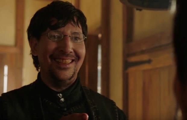 Marilyn Manson nei panni di Thomas Dinley, il barbiere di Salem