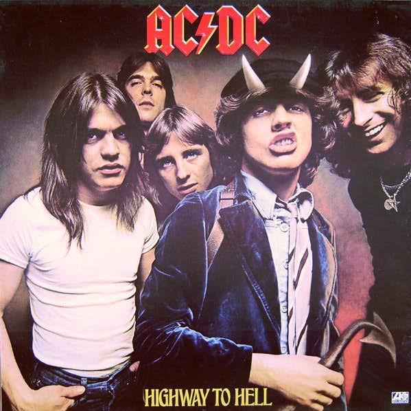 Gli AC/DC sulla cover di Highway To Hell