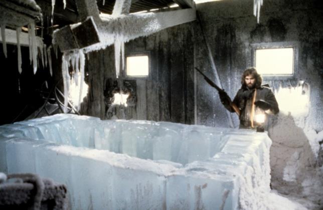 McReady scopre la bara di ghiaccio nella stazione norvegese
