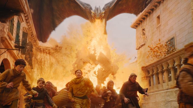 Daenerys e Drogon distruggono Approdo del Re in Game of Thrones 8