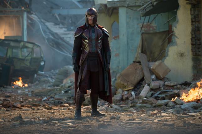Michael Fassbender nel costume di Magneto già visto nei film precedenti