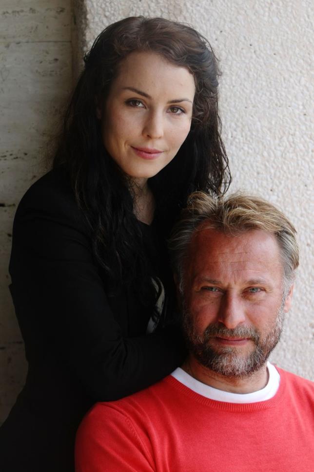Michael Nyqvist posa con Noomi Rapace