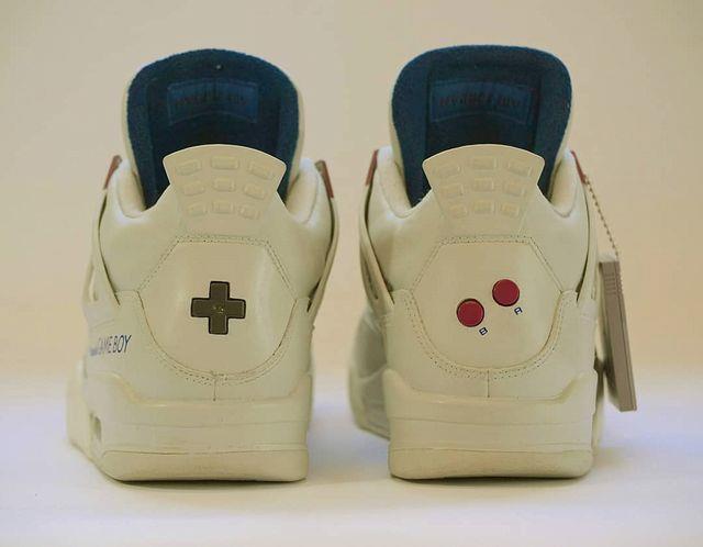 Il Game Boy rivive sulle Air Jordan