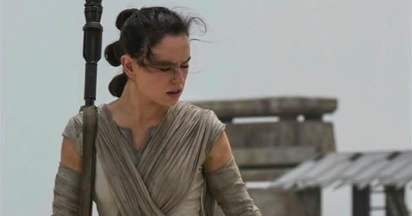 Daisy Ridley è Rey in Star Wars 7