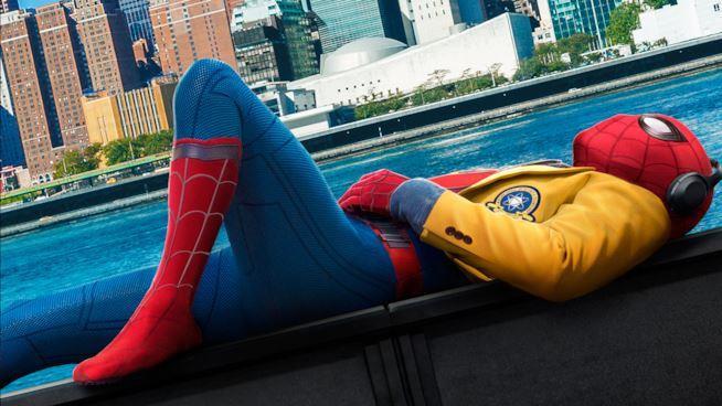 Un primo piano di Spider-Man nel poster promozionale di Homecoming