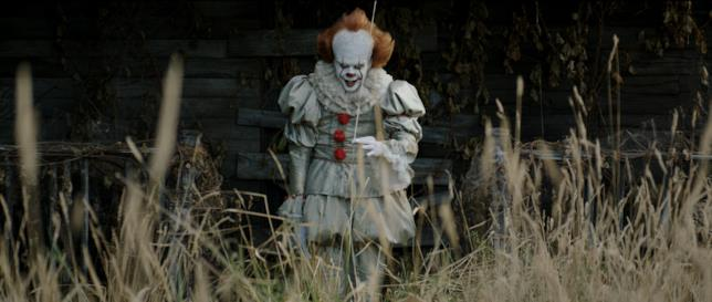 Pennywise è interpretato da Bill Skarsgård