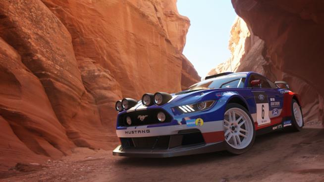 Una Mustang sfreccia in Gran Turismo Sport