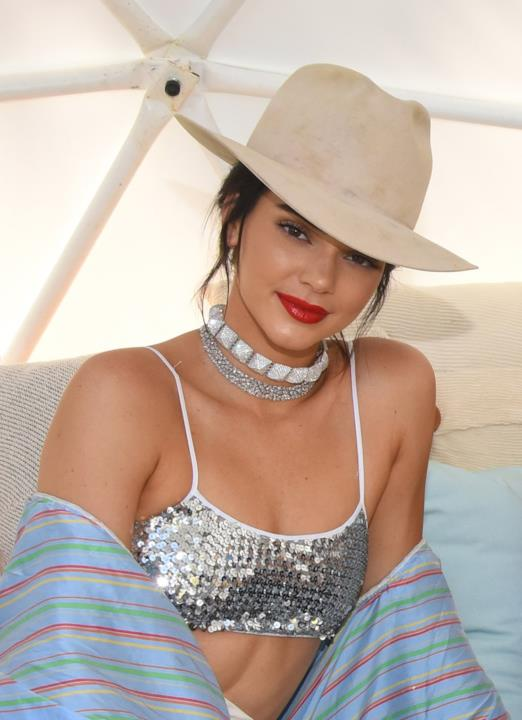 Look glitter per Kendall Jenner al Winter Bumbleland Party