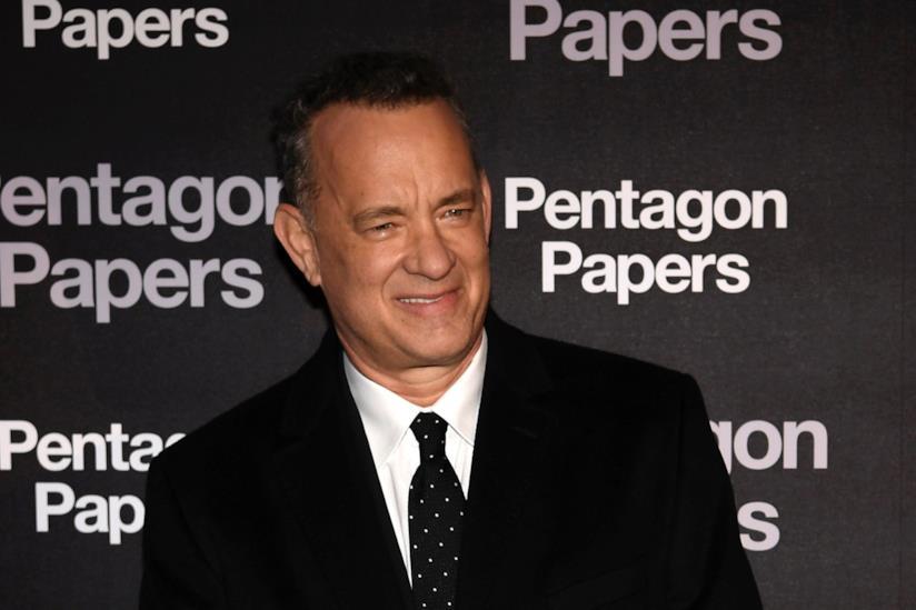 Niente birra per Tom Hanks: l'attore deve mostrare la carta d'identità