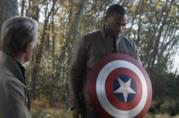 Il momento della consegna dello scudo di Captain America a Sam Wilson in Avengers: Endgame