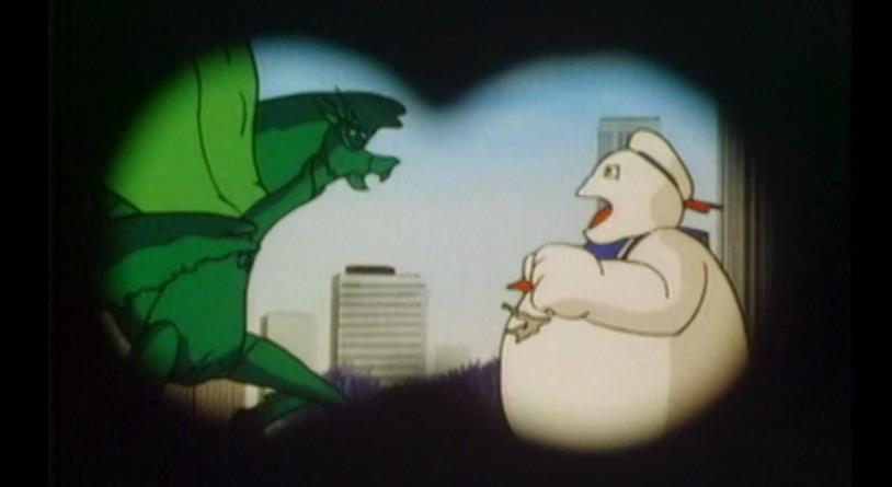 Lo Stay Puft combatte contro l'enorme mantide religiosa di The Real Ghostbusters