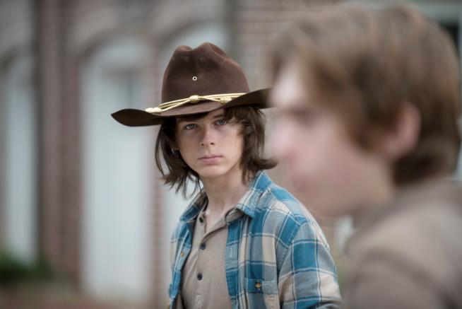 Chandler Riggs (Carl) fissa
