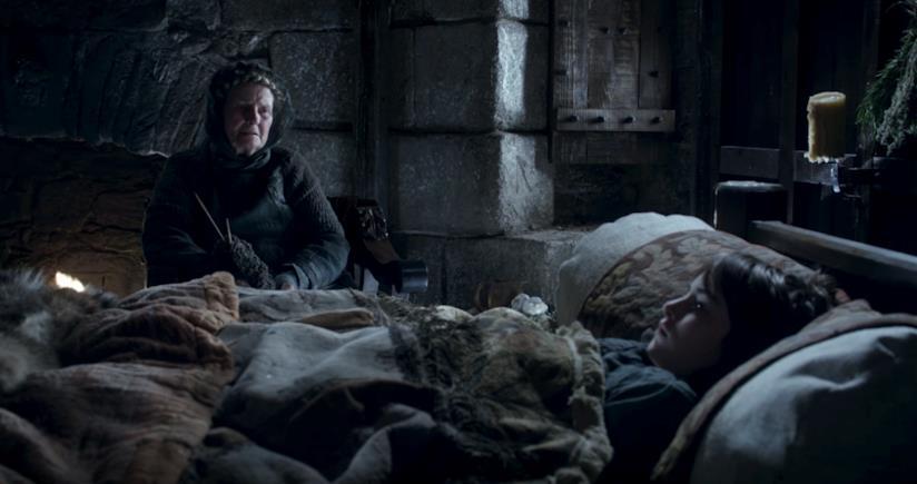 L'anziana Nan racconta a Bran dei ragni di ghiaccio nella prima stagione di Game of Thrones