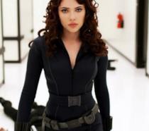Primo piano di Scarlett Johansson in Iron Man 2
