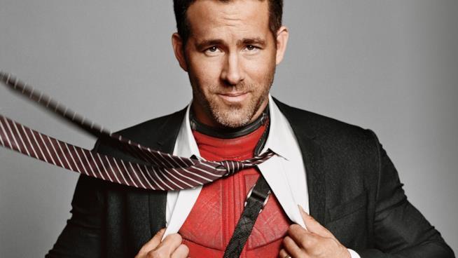 Ryan Reynolds in uno scatto promozionale di Deadpool