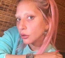 Il selfie senza trucco di Lady Gaga fa il pieno di like