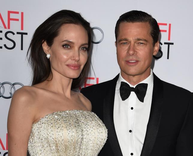 Primo piano di Brad Pitt e Angelina Jolie