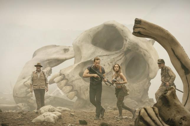 La spedizione su Skull Island trova i resti di enormi creature