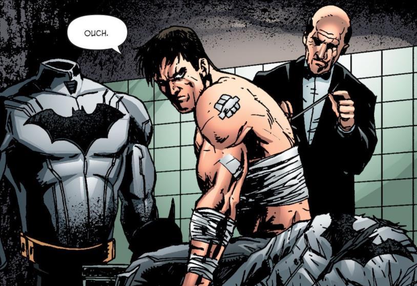 Vignetta nella quale Alfred Penniworth cuce la schiena a un Bruce Wayne/Batman malridotto, con il costume di fronte a lui
