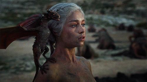 Un'immagine animata di Daenerys