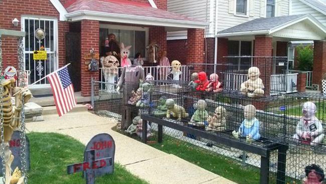 Decorazione di Halloween con zombie e neonati