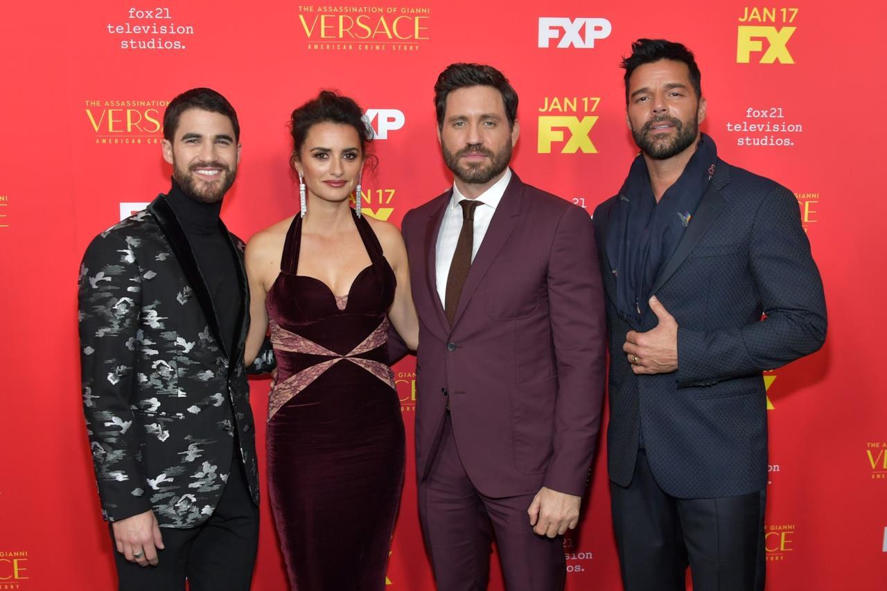 Darren Criss, Edgar Ramirez, Penelope Cruz e Ricky Martin sul red carpet della premiere di American Crime Story